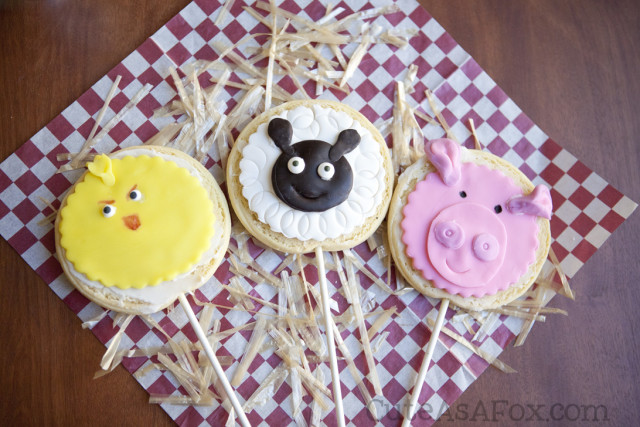 Farm Animals - Cookie on a stick. Chick, Sheep, and Pig
