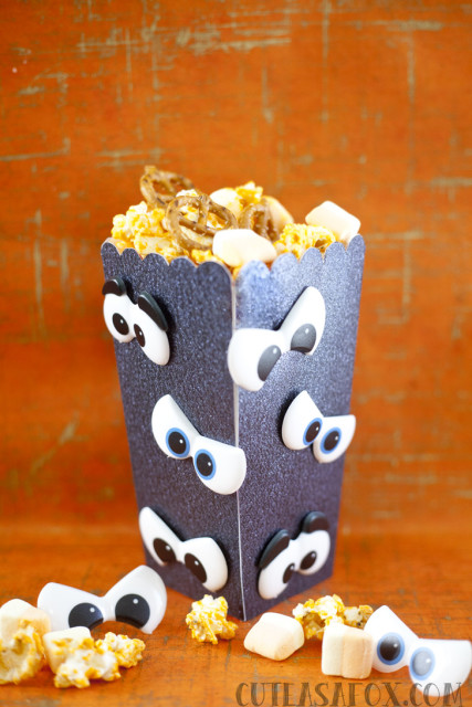 Spooky Eyes Popcorn Box with Pumpkin Spice Popcorn Mix