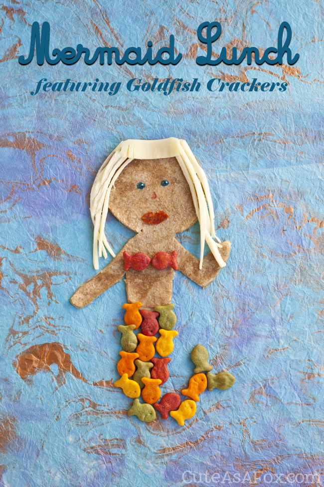 Kids Lunch Recipes: Make a fun Mermaid themed lunch for the kids with Goldfish crackers.