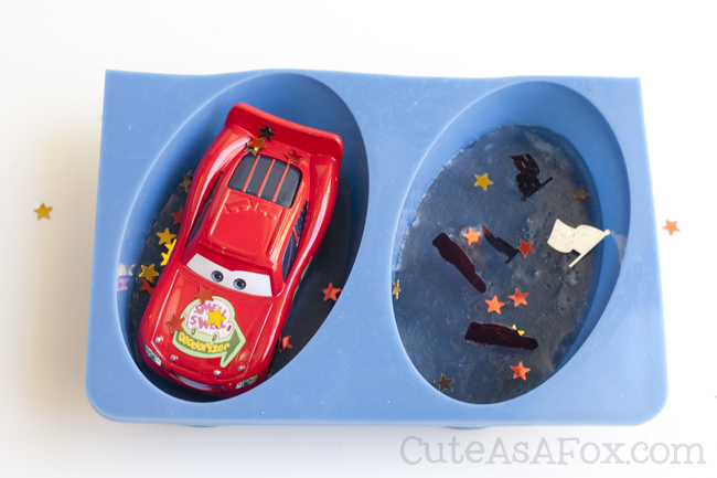 Cars 3 Soap with Lightning McQueen. Encourage good hygiene for your kids with this fun soap. As the kids wash their hands they'll free Lightning McQueen.